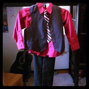 Other - 4 piece suit set size 6 kids